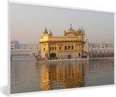 Foto in lijst - De Gouden Tempel in India fotolijst wit 60x40 cm - Poster in lijst (Wanddecoratie woonkamer / slaapkamer)