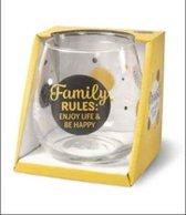 Wijnglas - Waterglas - Family Rules: enjoy life & be happy - Gevuld met verpakte Italiaanse bonbons - In cadeauverpakking met gekleurd lint