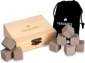 Navaris whiskey stenen - Inclusief houten doos en fluwelen zak - Herbruikbare ijsblokjes - Koelstenen van graniet - 9 stuks