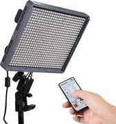 Aputure Amaran HR672C High CRI 95+ Studio Videolamp LED Fotolamp Instelbare kleurtemperatuur Licht met 2,4 GHz draadloze afstandsbediening, Flicker gratis (zwart)