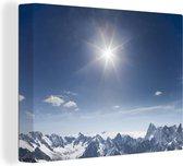 Prachtige felle zon boven de berg de Mont Blanc Canvas 160x120 cm - Foto print op Canvas schilderij (Wanddecoratie woonkamer / slaapkamer) XXL / Groot formaat!
