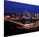 De skyline van Cincinnati in de Verenigde staten bij nacht Canvas 60x40 cm - Foto print op Canvas schilderij (Wanddecoratie woonkamer / slaapkamer)