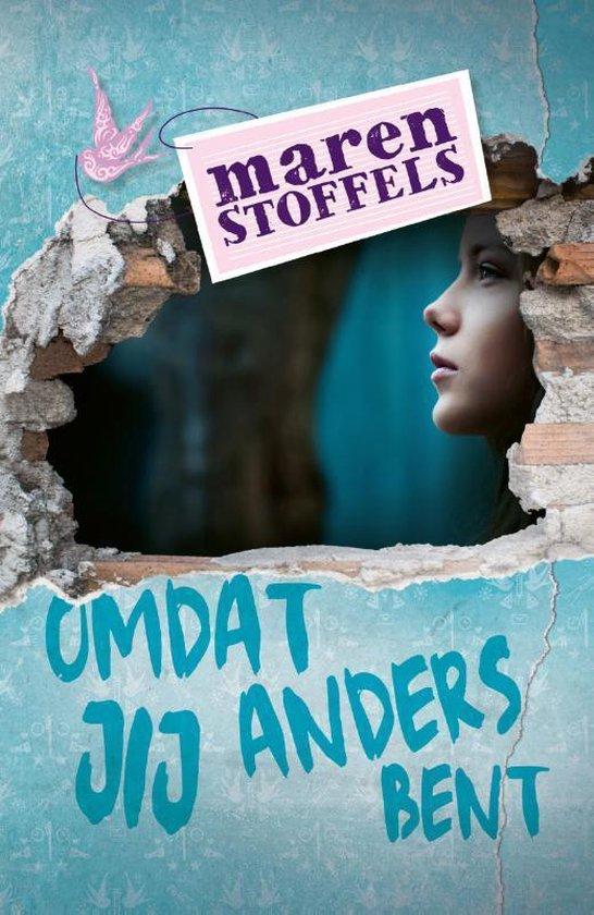 Boek cover Omdat jij anders bent van Maren Stoffels (Paperback)