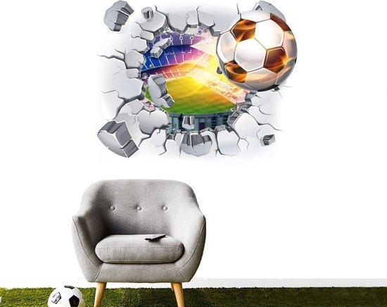 Muursticker voetbal met vlammen door muur