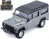 Land Rover Defender 110 1:47 zilver metalic
