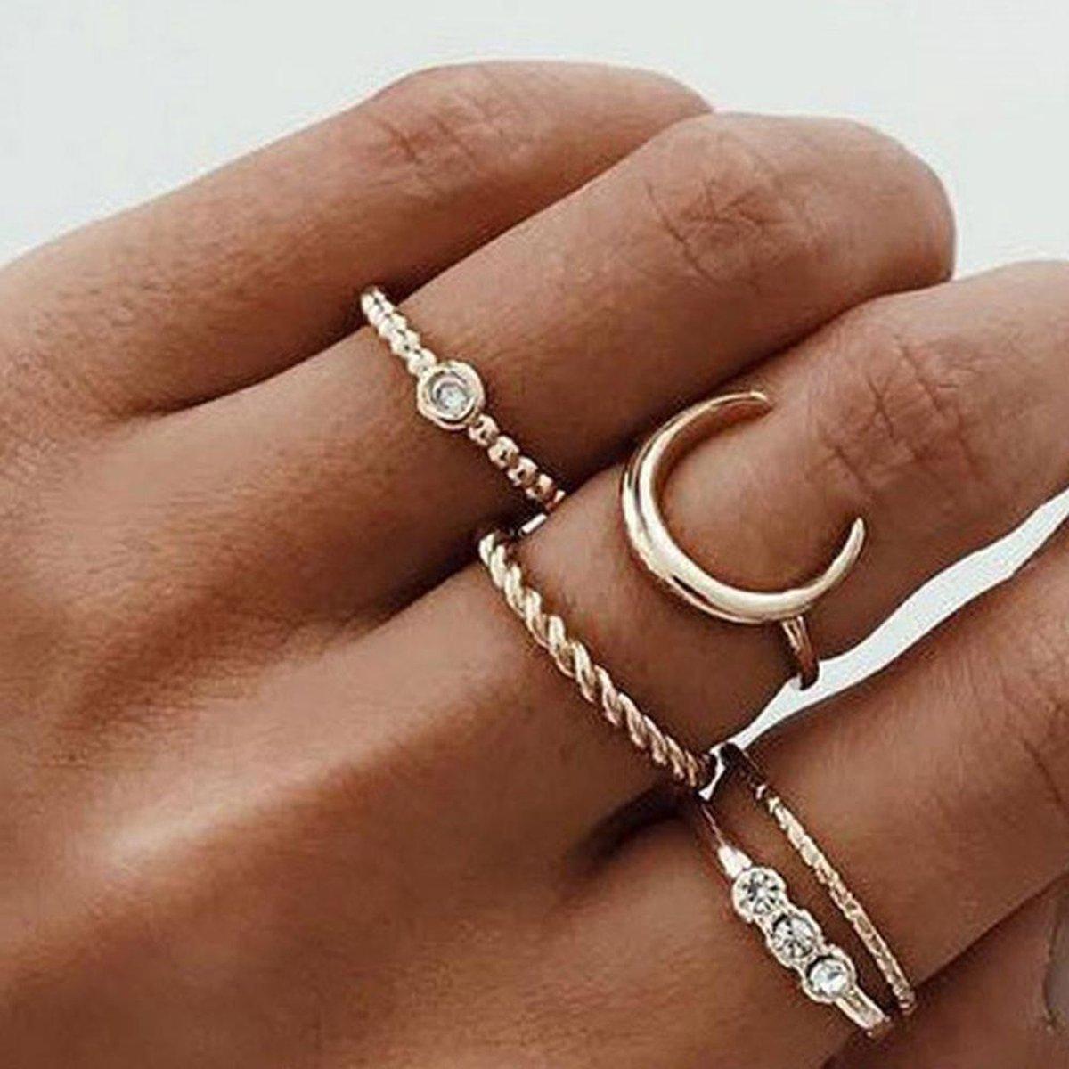 5 delige ringen set maan en glimmers goud kleur