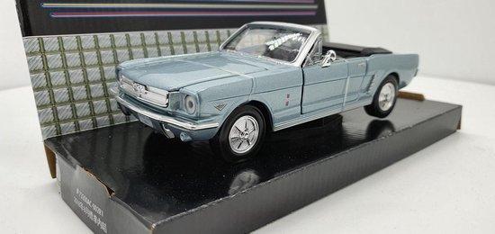 Afbeelding van MotorMax Ford Mustang Cabriolet 1965 blauw 1:24 speelgoed
