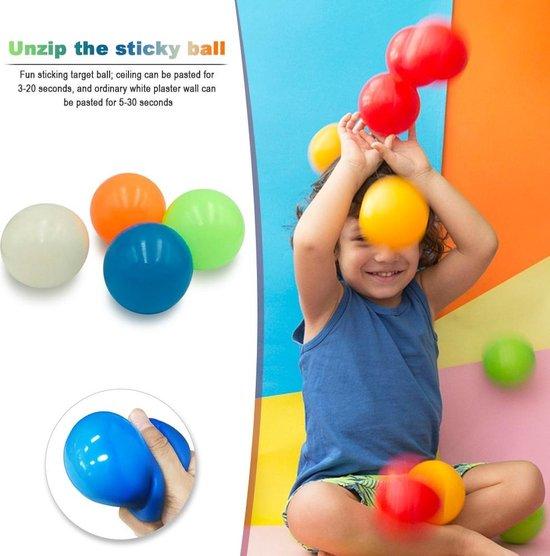 Afbeelding van het spel Sticky Balls Fidget toys - Anti Stress bal - Glow in the dark – TikTok – Trend 2021 - 4 Balletjes!