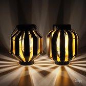 Gadgy Solar Lantaarn Gloeilamp– Set van 2 – zwart/goud – metaal - Solar tuinverlichting op zonneenergie – Led buitenverlichting met dag/nacht sensor – Tafellamp / Hanglamp / Tuinlantaarn – 20.5 x Ø 18 cm