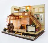 DIY Poppenhuis - Miniatuur poppenhuis met LED licht – Houten modelbouw – Bouwpakket – Hobby Pakket - Poppenhuis meubels ''Forest Holiday''