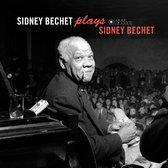 Plays Sidney Bechet