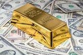 ✅ Money • Gold Bar on Banknotes Canvas 90x60 cm • Foto print op Canvas schilderij ( Wanddecoratie woonkamer / slaapkamer / keuken / kantoor / bar / restaurant ) / Money / Geld Canvas Schilderijen / Poster