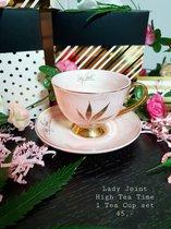 High Tea Party |Elegant thee/koffie kopje met schotel roze marmer met gouden handvat en gouden hemp. High Tea Party in Wonderland. Alice in wonderland thema. Kopje en schotel set.Tea Coffee Cup & Saucer set