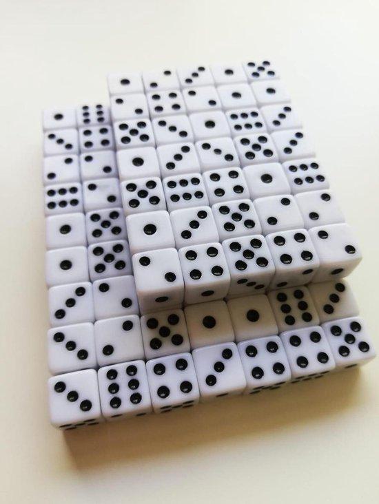Thumbnail van een extra afbeelding van het spel 10 Stuks witte dobbelstenen set - 10mm - 10 millimeter - kleine dobbelstenen wit - dobbelsteentjes | Yahtzee-Bordspel | Gezelschapsspel | Spelletje | Spelletjes