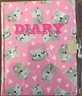 dagboek met slot zilver poesjes licht Roze  met hartjes 17.5 cm hoog bij 14 cm lang