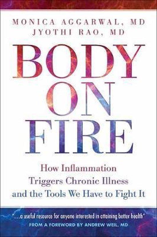 Boek cover Body On Fire van Monica Aggarwal (Paperback)