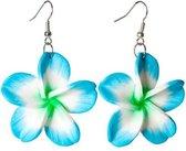 Blauwe Hawaii bloem oorbellen