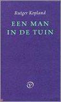 Een Man In De Tuin