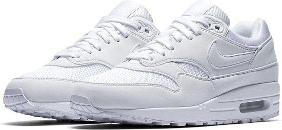 bol.com | Nike Air Max 1 Sneakers - Maat 38 - Vrouwen - wit