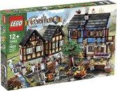 LEGO Castle Middeleeuwse Dorpsmarkt - 10193
