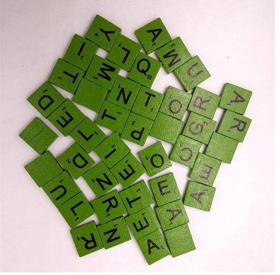 Afbeelding van het spel 100 stuks houten Scrabble letters groen