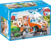 PLAYMOBIL City Life Ambulance en ambulanciers - 70049