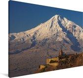 De besneeuwde Aziatische Ararat berg tijdens zonsopgang Canvas 180x120 cm - Foto print op Canvas schilderij (Wanddecoratie woonkamer / slaapkamer) XXL / Groot formaat!