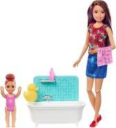 Barbie Family Babysitter Skipper Badtijd - Barbiepop