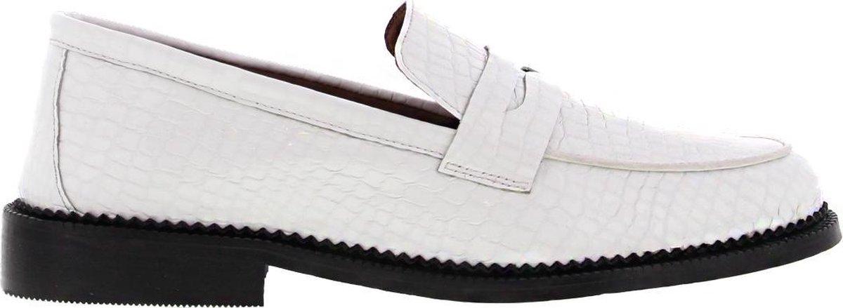 Tango | Pleun cartel 92-f Tiany Kiriloff bone white patent loafer - black sole | Maat: 39