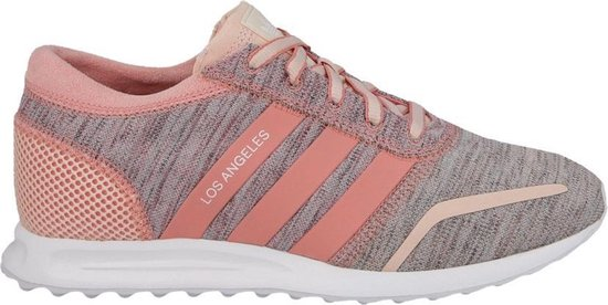 licht roze adidas schoenen