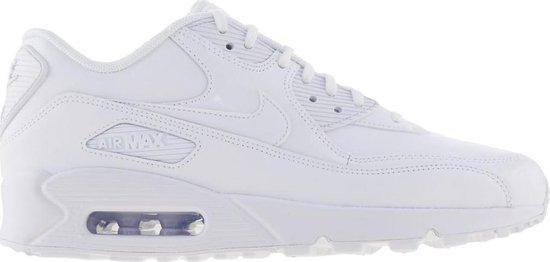 bol.com | Nike Air Max 90 Sneakers - Maat 39 - Vrouwen - wit