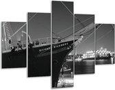 Glasschilderij Boot   Grijs, Zwart, Wit   100x70cm 5Luik   Foto print op Glas    F001746