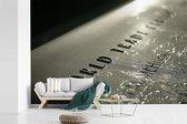 Het September 11 Memorial van dichtbij fotobehang vinyl breedte 330 cm x hoogte 220 cm - Foto print op behang (in 7 formaten beschikbaar)