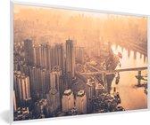 Foto in lijst - Oranje tinten in de lucht tijdens zonsondergang in Chongqing fotolijst wit 60x40 cm - Poster in lijst (Wanddecoratie woonkamer / slaapkamer)