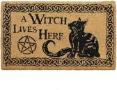 A witch lives here deurmat