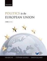 Boek cover Politics in the European Union van Ian Bache