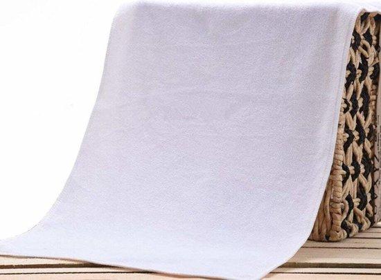 Sneldrogende Microfiber Handdoek Medium 70 x 140 cm - Microvezel en Wit - Geschikt als Strandhanddoek / Sporthanddoek Strandlaken / Reishanddoek– Te gebruiken voor Strand Reizen Festival Yoga Fitness