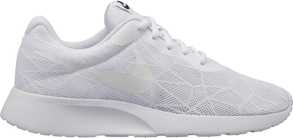 bol.com | Nike Tanjun SE - Dames - Wit - Maat 37.5