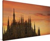 Zonsondergang achter de Kathedraal van Milaan in Italië Canvas 140x90 cm - Foto print op Canvas schilderij (Wanddecoratie woonkamer / slaapkamer)