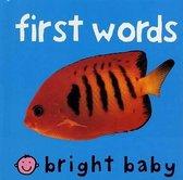 Boek cover First Words van Roger Priddy