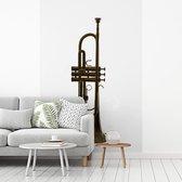 Fotobehang vinyl - Een trompet staat op een witte grond breedte 175 cm x hoogte 260 cm - Foto print op behang (in 7 formaten beschikbaar)