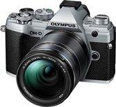 Olympus OM-D E-M5 III - Zilver + 14-150mm