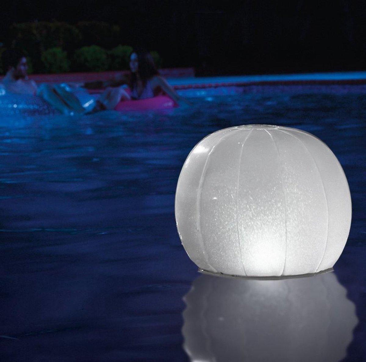 Drijvende led lichtbal / Floating led ball 23cm x 22cm - Intex