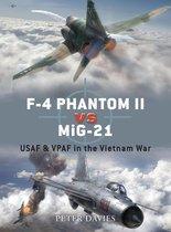 Boek cover F-4 Phantom II vs MiG-21: USAF & VPAF in the Vietnam War van Peter E. Davies