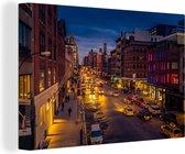 Straat in New York in de nacht Canvas 90x60 cm - Foto print op Canvas schilderij (Wanddecoratie woonkamer / slaapkamer)