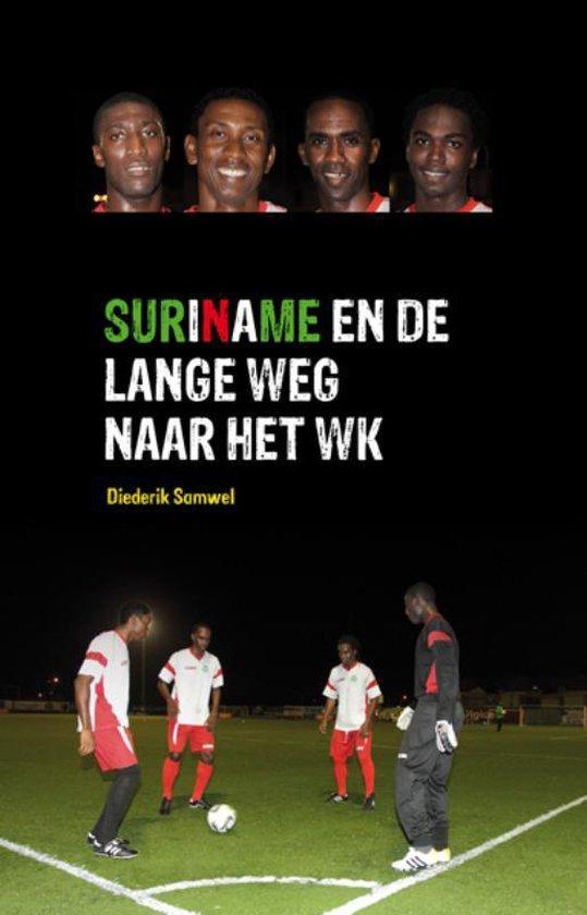 Cover van het boek 'Suriname en de lange weg naar het WK'