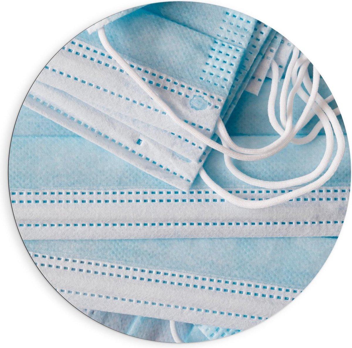 Dibond Wandcirkel - Stapel Blauwe Mondkapjes - 90x90cm Foto op Aluminium Wandcirkel (met ophangsysteem)