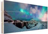 Poollicht over de Europese Kirkjufell Berg op het schiereiland Snæfellsnes Vurenhout met planken 40x20 cm - Foto print op Hout (Wanddecoratie)