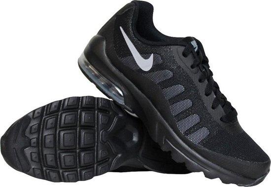 bol.com | Nike Air Max Invigor (GS) sneakers jongens zwart/grijs