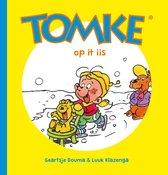 Boek cover Tomke op it iis van Geartsje Douma